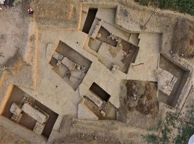 """В Индии обнаружили древние саркофаги """"на ножках"""" возрастом 4 тысяч лет (ФОТО, ВИДЕО) 7"""