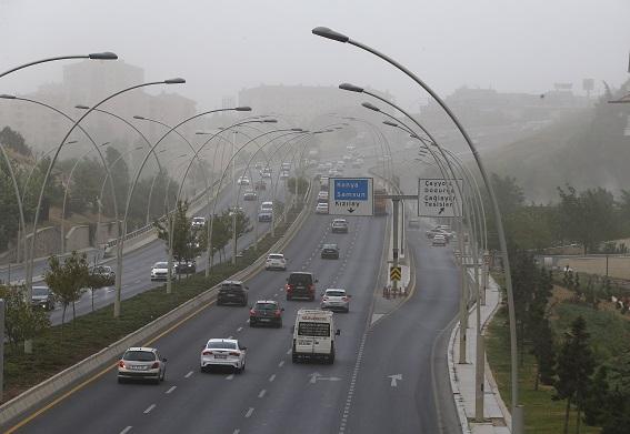 ВТурции мощная песчаная буря обрушилась напровинцию Анкара