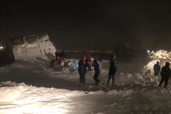 В Норильске лавина раздавила туристический домик, погибли люди (ФОТО, ВИДЕО) 3