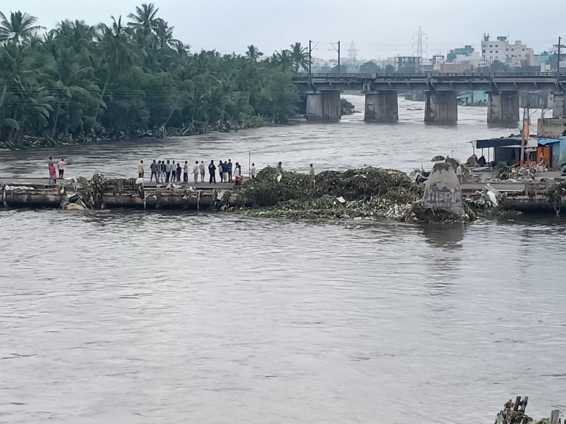 Часть Индии ушла под воду из-за мощного наводнения: много погибших