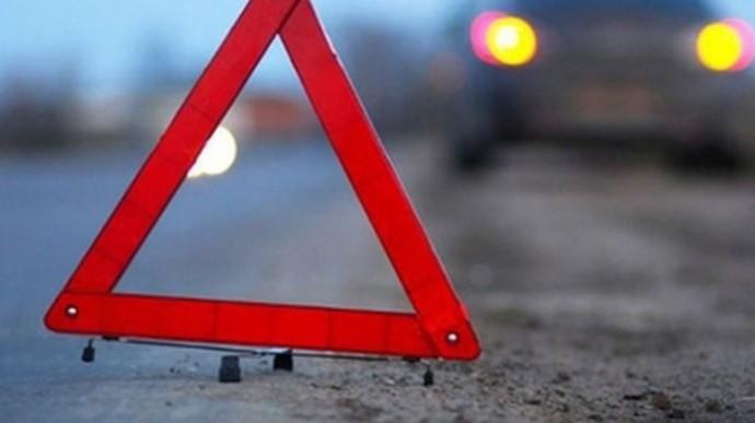 На трассе Киев-Львов жуткое ДТП - образовалась огромная пробка: фото