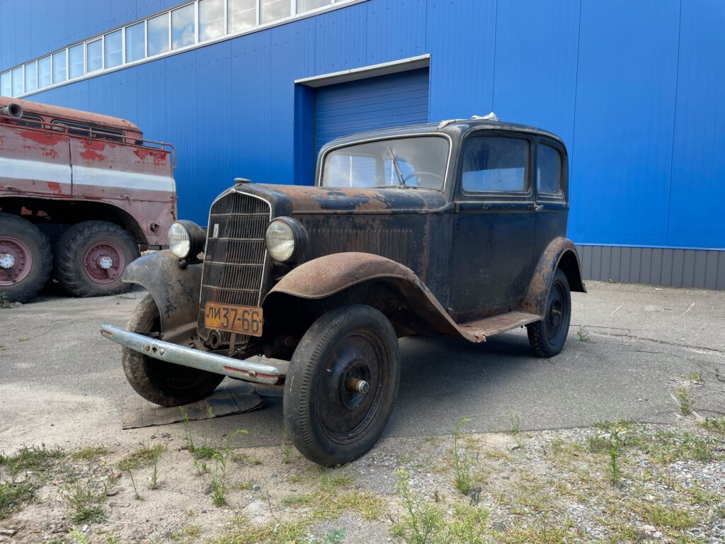 Под Киевом в деревянном сарае нашли довоенный Opel . Он прекрасно сохранился (ФОТО, ВИДЕО) 1