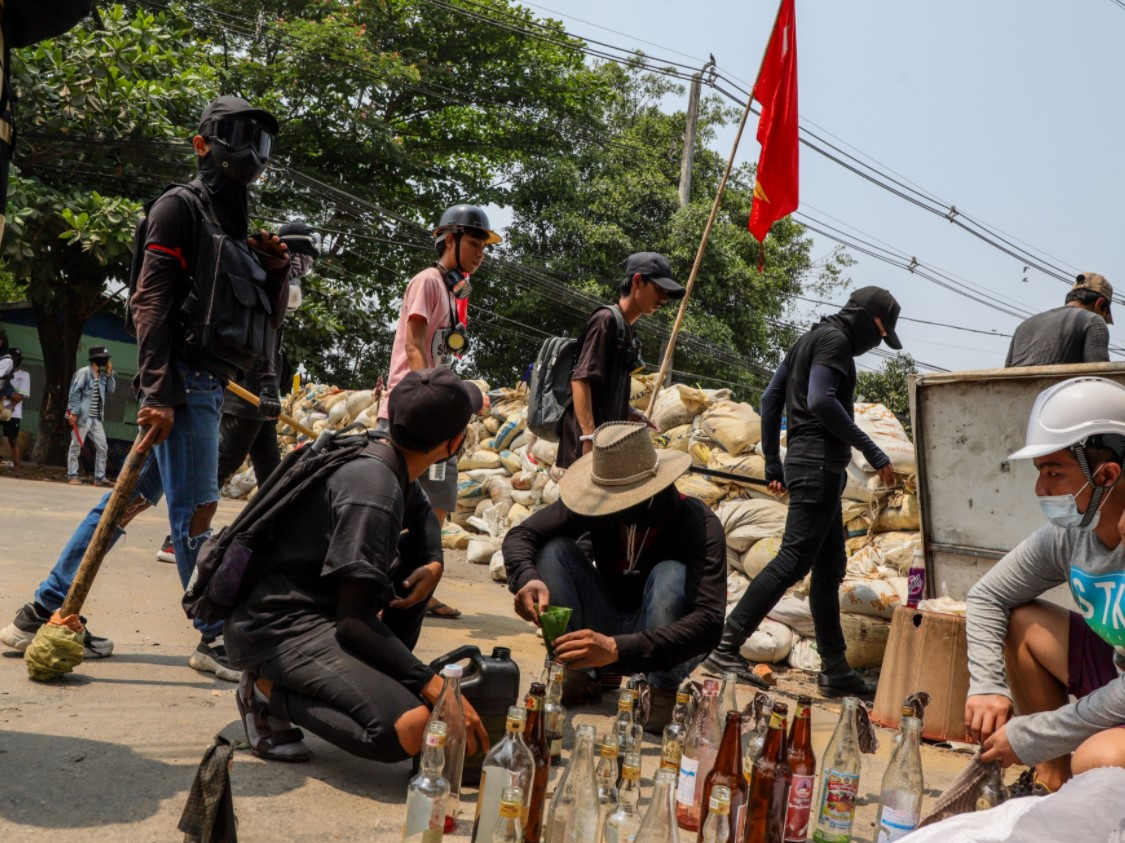 «Кровавая суббота» в Мьянме: погибли более 100 человек (ФОТО)