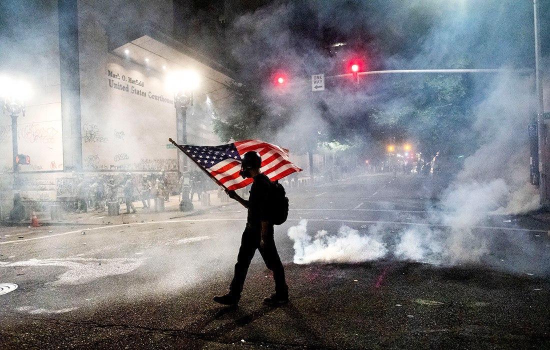 """Пропагандисты Кремля попали под """"горячую руку"""" на массовых протестах в США"""