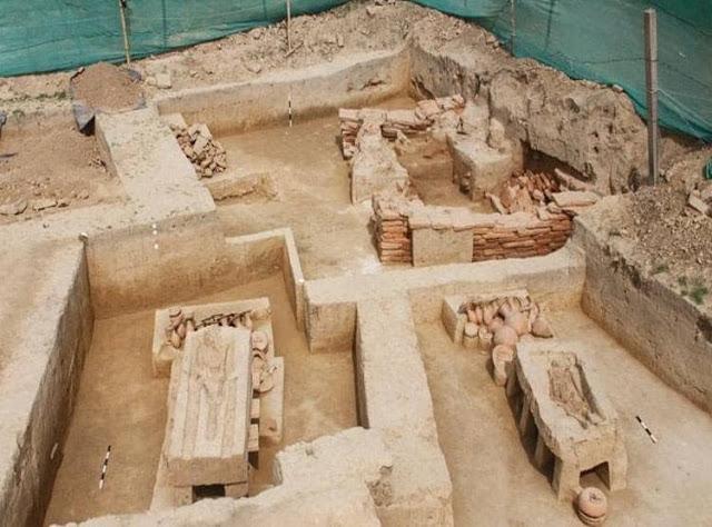 """В Индии обнаружили древние саркофаги """"на ножках"""" возрастом 4 тысяч лет (ФОТО, ВИДЕО) 5"""