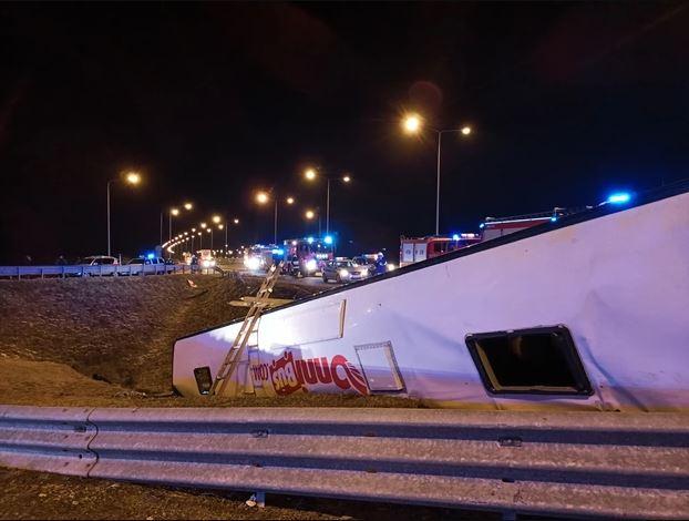Автобус с украинцами упал с виадука. Подробности ДТП в Польше, в котором погибло 6 человек (ФОТО) 1