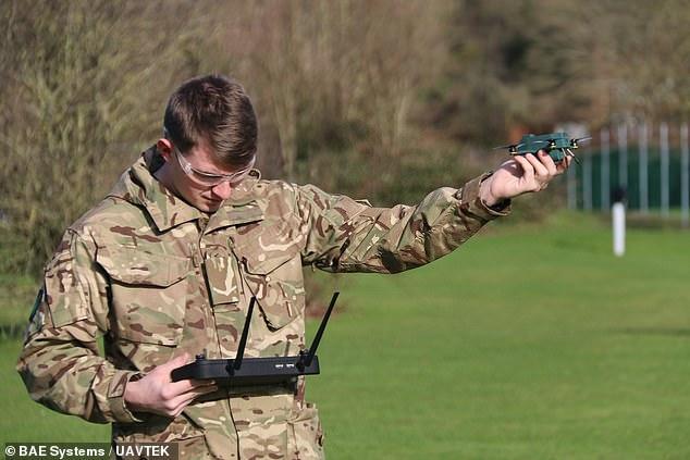 """Эти шпионы не боятся ветра. В Британии испытали беспилотных """"жуков"""" (ФОТО) 1"""
