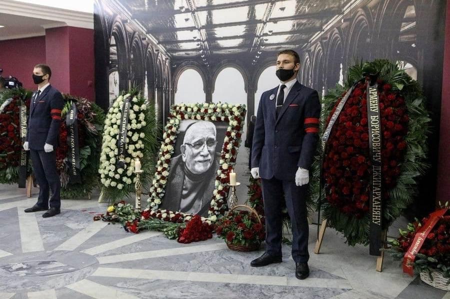 Впоследний путь проводили артиста Армена Джигарханяна