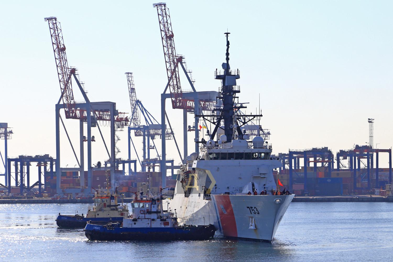 Корабль ВМС Франции вошел в Черное море: его вооружение впечатляет (ВИДЕО)
