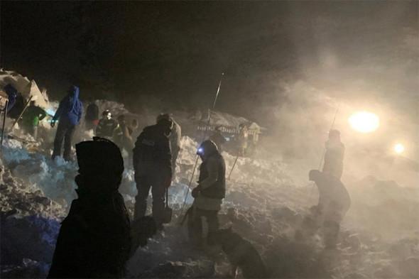 В Норильске лавина раздавила туристический домик, погибли люди (ФОТО, ВИДЕО) 1