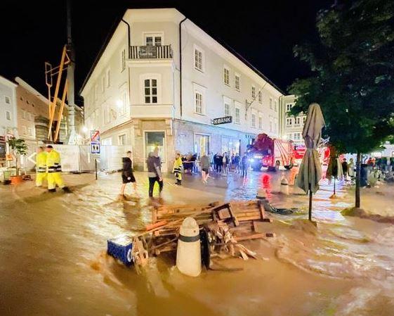 Из-за сильных осадков Австрия ушла под воду: фото и видео последствий