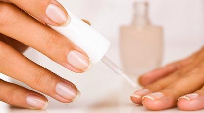 Как отрастить крепкие ногти: 5 советов специалиста по уходу за руками/Как ухаживать за ногтями дома
