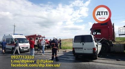 На западе Украины произошло масштабное ДТП, много погибших: опубликованы фото