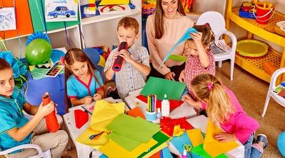 День воспитателя: лучшие поздравления в стихах и прозе