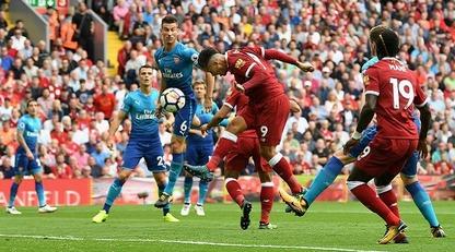 Ливерпуль - Арсенал: онлайн трансляция/В матче чемпионата Англии встретятся текущие лидеры