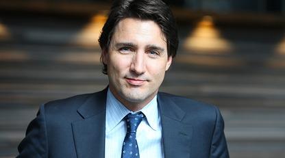 Премьер-министру Канады пришлось извиниться за фото 18-летней давности: он сделал это прямом эфире/Опубликованное фото не осталось без внимания оппозиционных партий