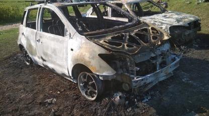 В военном лагере оккупантов в Крыму сожгли несколько авто: опубликованы фото и видео