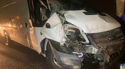 У Києві водій бетономішалки вийшов з кабіни і влаштував жорстку ДТП: фото і відео